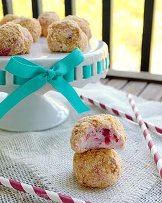 No Bake Raspberry Cheesecake Bites, so cute and easy, and are sure to curb your cheesecake craving in a jif!