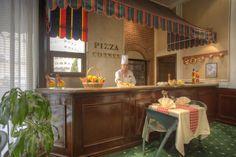 http://www.aldiarhotels.com/aldiardanahotel/dining