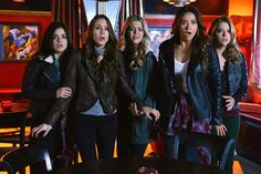 Pretty Little Liars Christmas Special - Seventeen