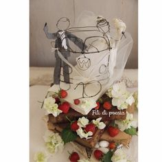 Wedding cake topper A Volkswagen van, two hearts and a vintage touch