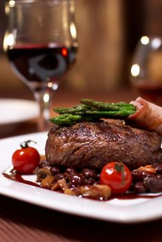 Sirloin Steak or Main Meal with a Glass of Wine for Two or Four at Reeds Restaurant Meals For Two, Main Meals, Butter Fish Recipe, Tapas, Carnivore, Sirloin Steaks, Rump Steak, Bons Plans, Mets