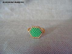 Bague tissée perles Miyuki Doré et vert peyote Bohostyle Bohochic Bohemian. Taille de la bague 52-54 : Bague par m-comme-maryna