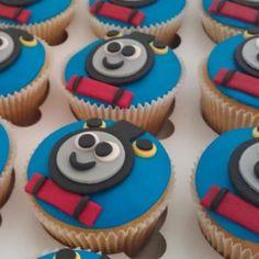 Thomas cupcakes fondant topper