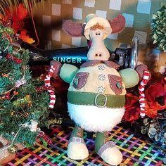 Christmas / Navidad - La Rueca De Merlín Villavicencio Christmas Ornaments, Merlin, Holiday Decor, Holidays, Home Decor, Ideas, Moose, Tela, Unicorns