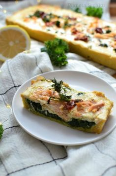 tarta z łososiem i szpinakiem, krucha tarta, tarta z łososiem Vegetable Pizza, Quiche, Healthy Recipes, Healthy Food, Vegetables, Breakfast, Foods, Pies, Healthy Foods