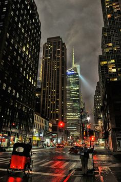 NYC. Red light // by Co1nCo1n via Flickr