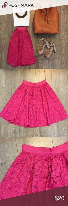 Pink Lace Circle Skirt Magenta pink lace circle skirt, hits at knee, side zip closure. Like new, lace has no rips or snags. Forever 21 Skirts Circle & Skater