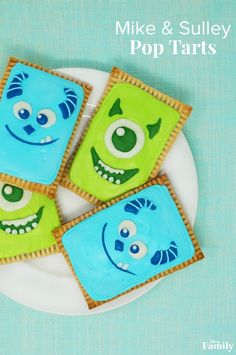 These Mike and Sulley Pop Tarts, featuring the beloved Monstropolis residents, are the perfect treats to start your family's day. Disney Themed Food, Disney Inspired Food, Disney Food, Disneyland Food, Disney Ideas, Walt Disney, Disney Family, Disney Pixar, Bento