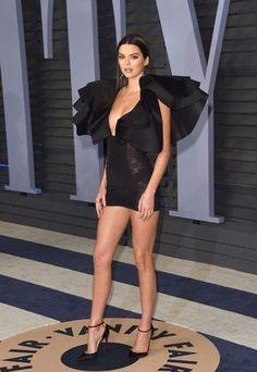 Kendall Y Kylie Jenner, Trajes Kylie Jenner, Kylie Jenner Outfits, Estilo Gigi Hadid, Emma Watson Sexiest, Oscar Dresses, Ladies Dress Design, Vanity Fair, Sexy Legs