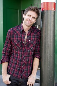 Canaan Smith, *SLOW CLAPS FOR THIS MANS FACE*