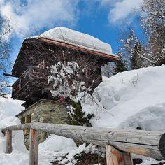 At nearly 2000m, Chandolin is pretty much snow-guaranteed. #springbreak #adnaaffair