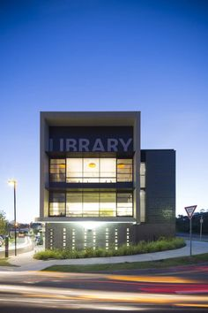 Helensvale Library and CCYC - Redefining cultural space by lahznimmo architects as Architects