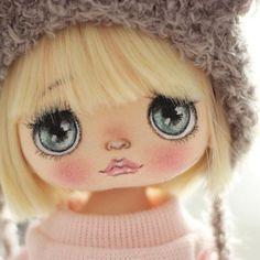 Baby Crochet Toys Faces Ideas For 2020 Doll Face Paint, Doll Painting, Doll Crafts, Diy Doll, Crochet Toys, Crochet Baby, Crochet Faces, Sewing Dolls, Doll Eyes