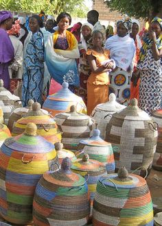 Decor that makes a difference to the world. Senegalese Baskets are Certified Fair Trade. Your African Basket Purchase helps the Wolof Women Weavers of Senegal Make a Living. Ghana Culture, African Culture, African Life, African Art, Afrique Francophone, African Interior, Basket Weaving, Woven Baskets, African Countries