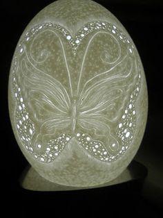 Esculpir na casca de ovos. Pirogravura em casca de ovos. Art of Egg Carving. Escultura cascara de huevos