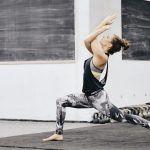 Der Paradise Flow ist eine Vinyasa Yoga Einheit für mehr Balance, Kraft und Geschmeidigkeit. Wir öffnen die Hüfte und stärken Beine, Rücken und Gesäß.