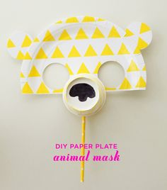 DIY Paper Plate Animal Masks, Anyone can make! Craft Activities For Kids, Projects For Kids, Diy For Kids, Crafts For Kids, Art Projects, Craft Ideas, Safari Party, Paper Plate Crafts, Paper Plates