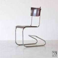 Avantgardistischer Bauhaus Stuhl - 750 €