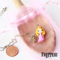 Mini Aurora #fimo #polymerclay #disney #principesse #aurora  #bellaaddormentata #handmade www.frypperi.it www.facebook.com/frypperi