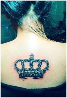 Crown tattoos are all about making the person feel majestic! here are some of the best crown tattoos to try. Crown Tattoos For Women, Tattoos For Women On Thigh, Meaningful Tattoos For Women, Back Tattoo Women, Thigh Tattoos, Cruces Tattoo, Images Instagram, Queen Crown Tattoo, Tatuagem New School