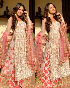 Buy Best Exclusive Colletion Of Bridal Lehengas, Women's Wedding cloth Stylish Dresses For Girls, Wedding Dresses For Girls, Indian Wedding Outfits, Bridal Outfits, Indian Outfits, Pakistani Engagement Dresses, Pakistani Formal Dresses, Indian Dresses, Designer Party Wear Dresses