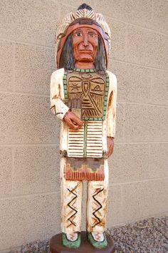 Thunderbird Chief Cigar Store Indian by Frank Gallagher 3 Feet Tall 0480 Antique Carved Wooden Cigar Store Indian Chief Native American Cigar Store Indian, Buffalo Art, Cigar Shops, Wooden Statues, Cowboys And Indians, Western Art, Western Style, Outdoor Sculpture, Indian Art
