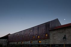 pitagoras arquitectos: center for advanced post-graduate education
