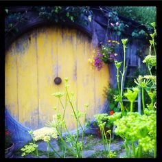 Yellow door #Hobbiton #TheHobbit
