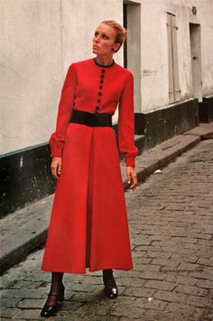 Vogue Pattern Book - April/May 1971  #2491 by Pierre Cardin