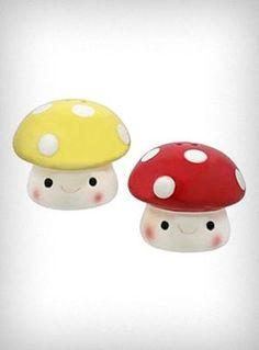 Mushroom Salt & Pepper PLASTICLAND