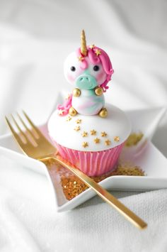 Birthday Party Food. Fondant Unicorn Cupcake.