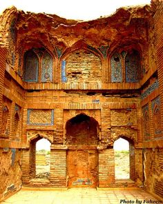 Most of the people around the world don't have knowledge about the largest necropolis of the world which is the identical emblem of the historic city of Sindh, Thatta ( Pakistan ).