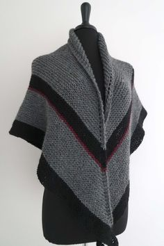 Outlander Inspired Shawl Pure Wool Yarn Dark Gray Black Color Knitted Claire's Wrap Season Four Stole Diana Gabaldon, Outlander Clothing, Outlander Tv, Knit Patterns, Clothing Patterns, Scottish Costume, Outlander Knitting Patterns, Crochet Cape, Scarf