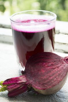 Red Beet Juice - This juice is ideal for those trying to fight depression and for those struggling from insomnia. Furthermore, the beetroot helps boost energy levels by allowing more oxygen to reach the heart and lower blood pressure. The vitamin A in this recipe will help clear acne and deter cancerous cells in the skin.