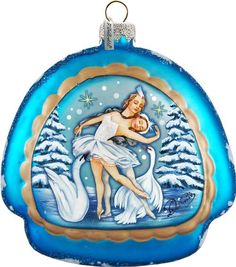 17 Beautiful Christmas Ornament Ideas Beautiful Christmas Christmas Ornaments Glass Ornaments