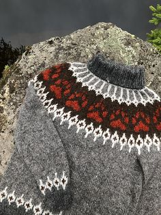 Ravelry: Villmarksgenseren (The Wilderness Sweater) pattern by Linka Karoline Neumann Norwegian Knitting, Icelandic Sweaters, Fair Isle Knitting, Wilderness, Ravelry, Knitting Patterns, Knit Crochet, Men Sweater, Pullover
