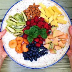 Dessert #kitchenbyeve#dessert#sommerhus#sol#sommer#blåbær#nødder#frugt#søndag#lækkermad#lækkert#vin#vegetar#vegetarmad#vegetarisk#vegansk#veganer#raw#rawfood#naturlig#sund#sundt#sundhed#sundmad#vegan#vegetarian#snacks#fruit#delicious#healthy by kitchenbyeve