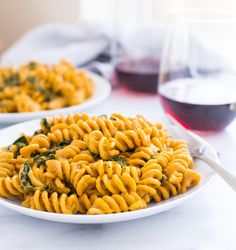 The Best Pumpkin Macaroni and Cheese- so rich and creamy, you would know it's dairy-free! #healthy #vegan #cleaneating
