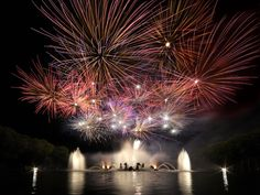 Bouquet final, Park of Versailles. Night of the Fountains June - September.