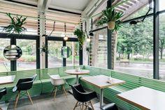 Необычные кафе в Москве: интерьер кафе Bulka в стиле оранжереи