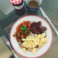 Good Morning Weekend!  There's nothing much better than being woken up after a long lay-in and rolling around in bed on weekend mornings and having brunch homemade for you...  #goodmorning #whattimeisit #brunch #weekend #weekendmornings #sunday #breakfast #chorizo #eggs #foodie #homemade #summer #butfirstcoffee