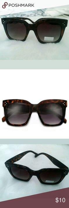 Thick Triple Pinpoint Studs Design Sunglasses Bold thick triple point studs  fashion sunglasses. Polycarbonate UV 6dc12abbee