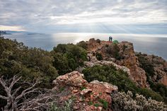 Hiking in the Esterel Mountains. Photography by Moritz Attenberger for Vaude Visions.