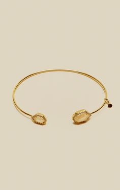OPEN BRACELET WITH SHAPED STONE