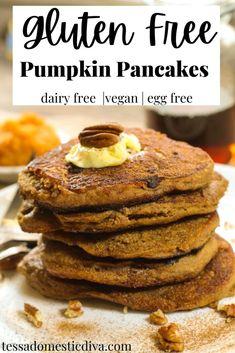 Gluten Free Vegan Pumpkin Pancakes #glutenfreepumpkinpancakes #glutenfreeveganpancakes #glutenfreepancakes Gluten Free Recipes For Breakfast, Delicious Breakfast Recipes, Vegan Recipes Easy, Baking Recipes, Real Food Recipes, Kitchen Recipes, Cookie Recipes, Vegetarian Recipes, Dinner Recipes