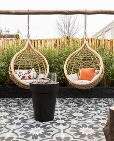 Hanging Chairs are really popular, and it's no wonder why. These gorgeous rattan beauties are as fun as they are gorgeous, & make great design focal points. Terrace Garden, Garden Planters, Small Gardens, Outdoor Gardens, Small House Garden, Outdoor Living, Outdoor Decor, Amazing Gardens, Garden Inspiration