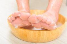 remojar los pies en vinagre