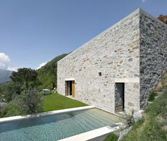 Q EN BLEU: architecture