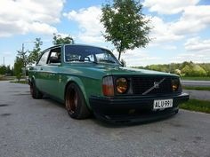 All business Volvo 242.