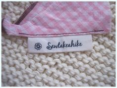 Label tutorial: This is a quickie post for a tutorial on how to make labels for your creations out of fabric. Sewing Hacks, Sewing Tutorials, Sewing Crafts, Sewing Projects, Sewing Patterns, Sewing Ideas, Craft Patterns, Sewing Tips, Quilt Labels